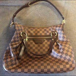 Authentic Louis Vuitton Evora MM